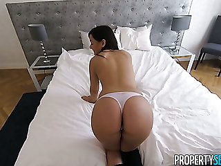 Random girl Anina Silk takes dude's invitation to be fucked doggy