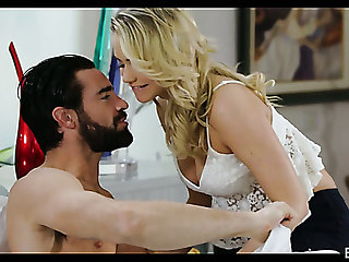 Naughty hottie Mia Malkova takes dick in her shaved pussy early in the morning